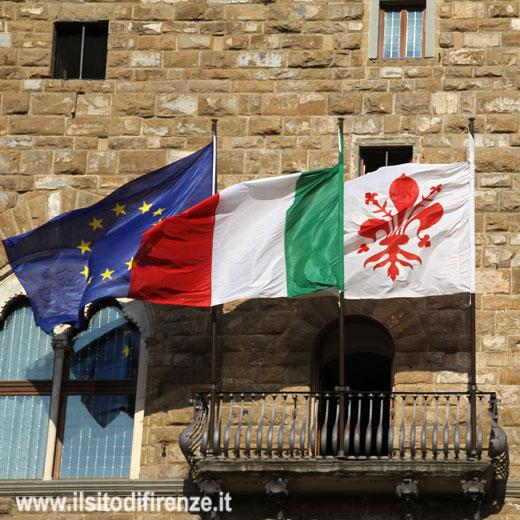 Palazzo-Vecchio-Bandiere-jgh5_15_5