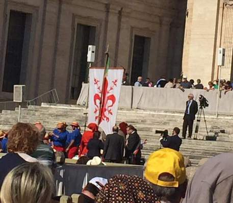 Gay:Si,Gonfalone Firenze negato a Pride era a evento da Papa