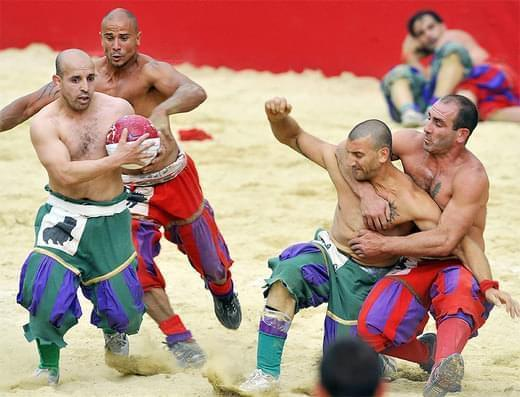scontro calcio storico